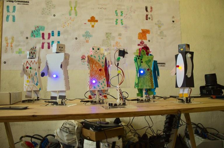 Kit robot dessiné