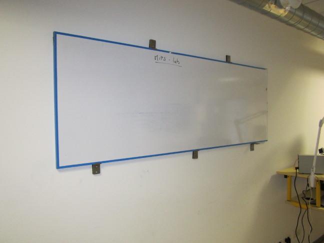 En direct du mips 1 mips lab le fablab de la ville de pau - Tableau sur mur blanc ...